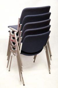 design, krzesła vintage, DSC 106 autorstwa Giancarlo Piretti, Castelli, lata 70.